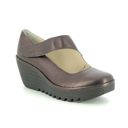 Fly London Wedge Shoes  - Burgundy Leather - P500682 YASI