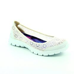Skechers Pumps & Ballerinas - White - 23413/100 EZ FLEX 3 PUMP