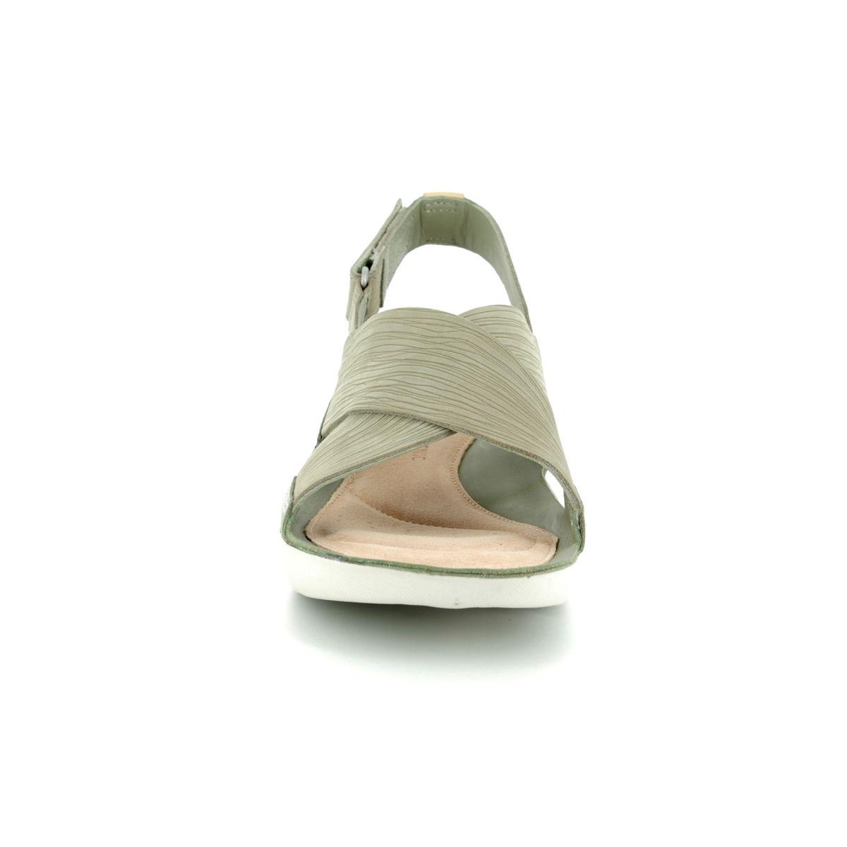 d5dda797c050d8 Clarks Sandals - Green - 3127 84D TRI CHLOE