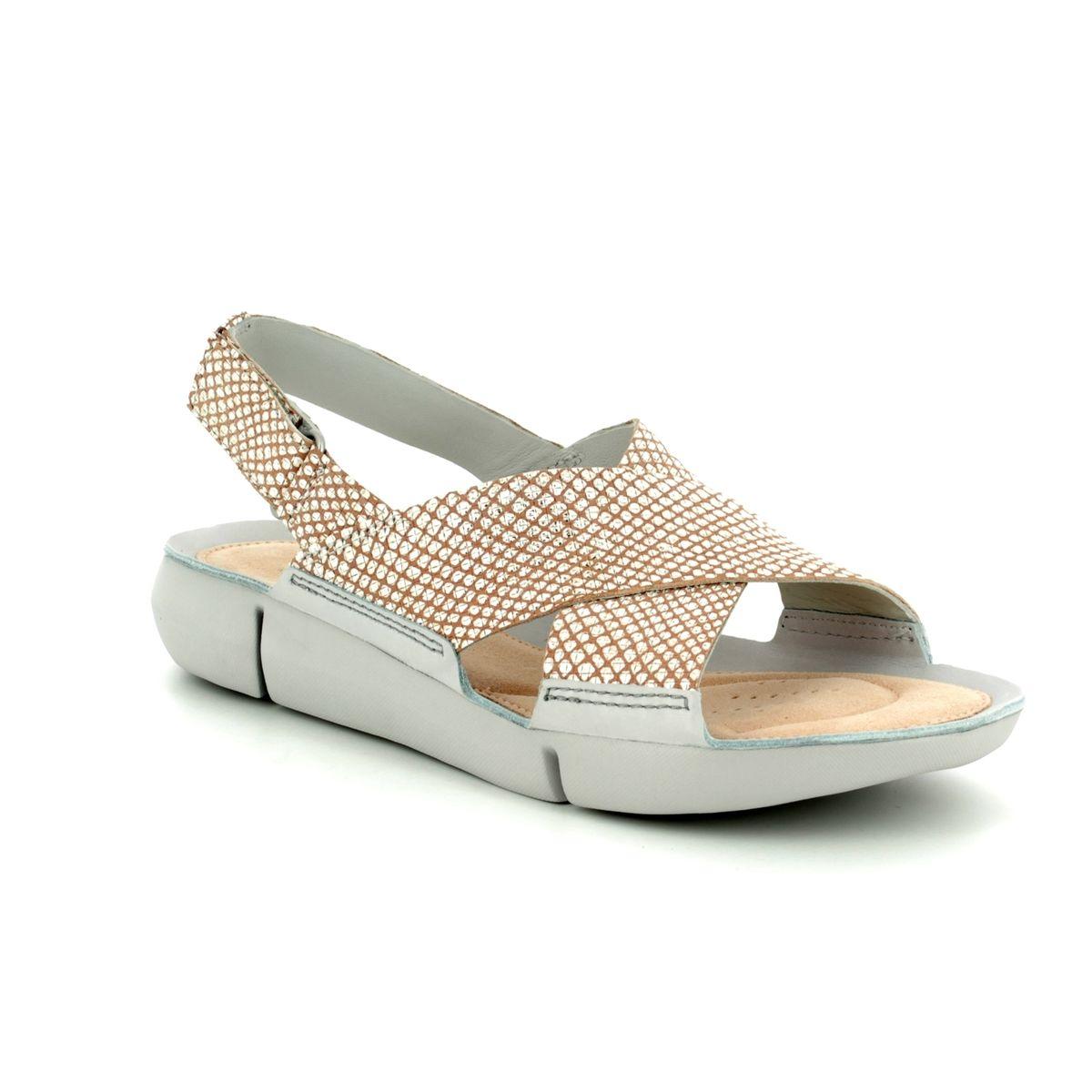 1c29b40aa861 Clarks Sandals - Silver multi - 3129 44D TRI CHLOE