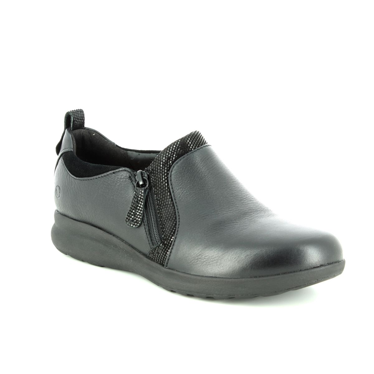 Será Discriminatorio Goteo  Clarks Un Adorn Zip E Fit Black leather Comfort Slip On Shoes