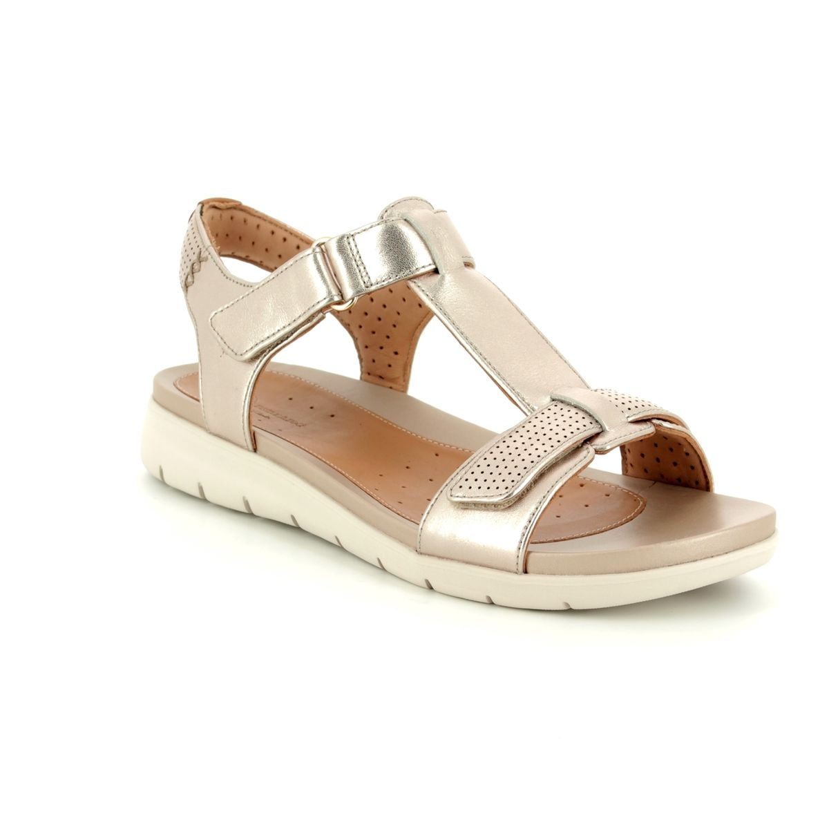 a6a1ef7ff07 Clarks Sandals - Gold - 3330 74D UN HAYWOOD