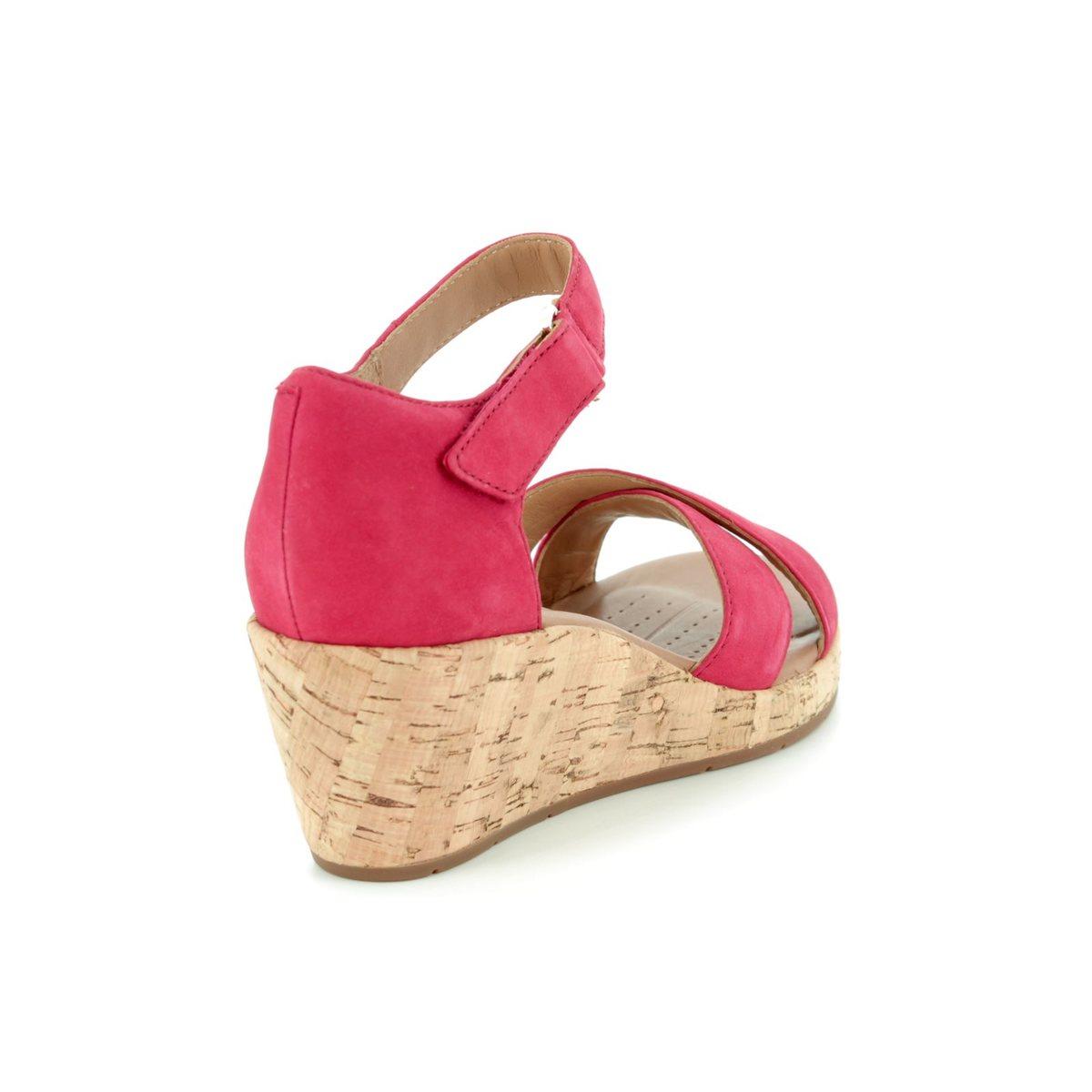 31a3ef82b3e Clarks Wedge Sandals - Red - 3232 74D UN PLAZA CROSS