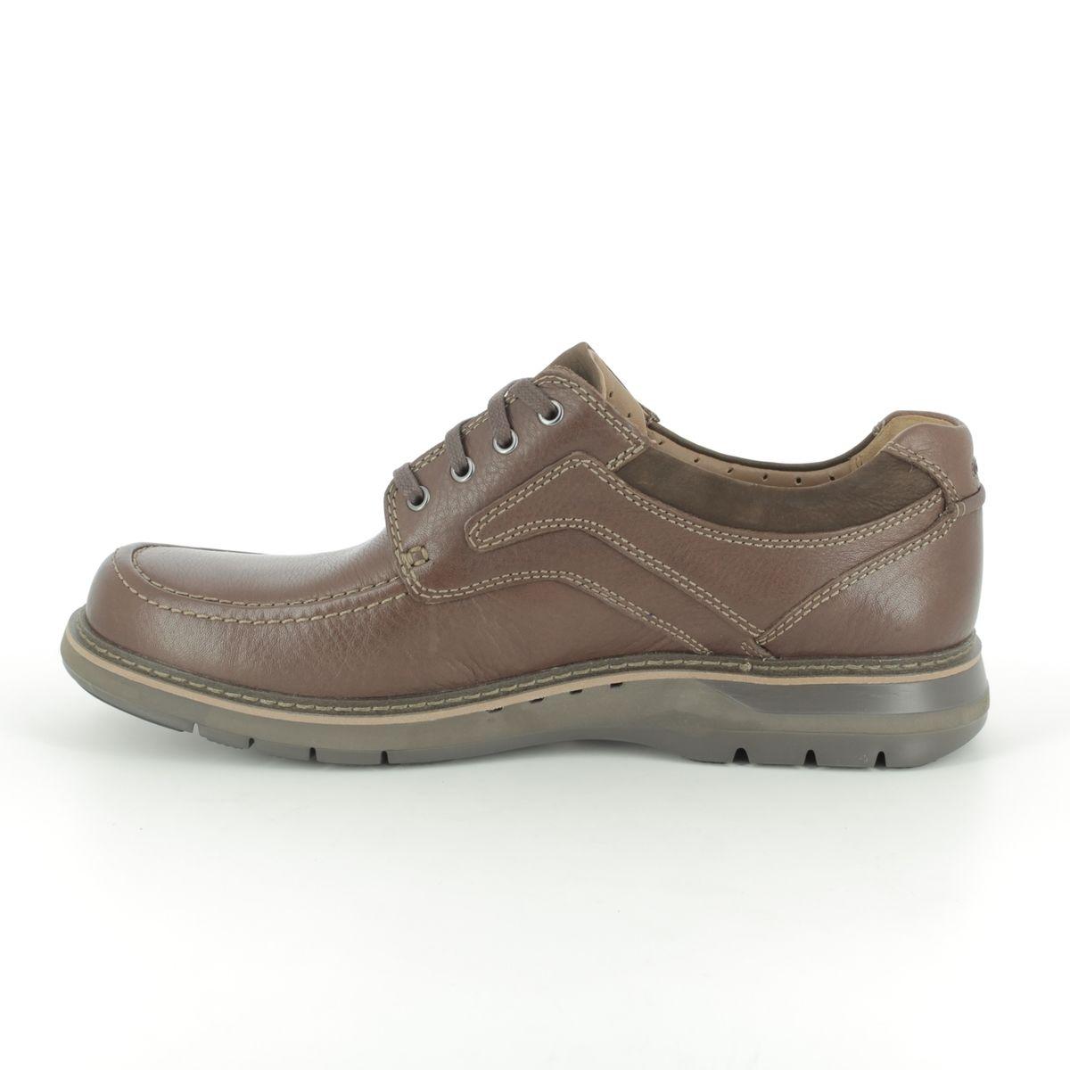 64238d3945dc9 Clarks Casual Shoes - Brown - 381877G UN RAMBLE LACE