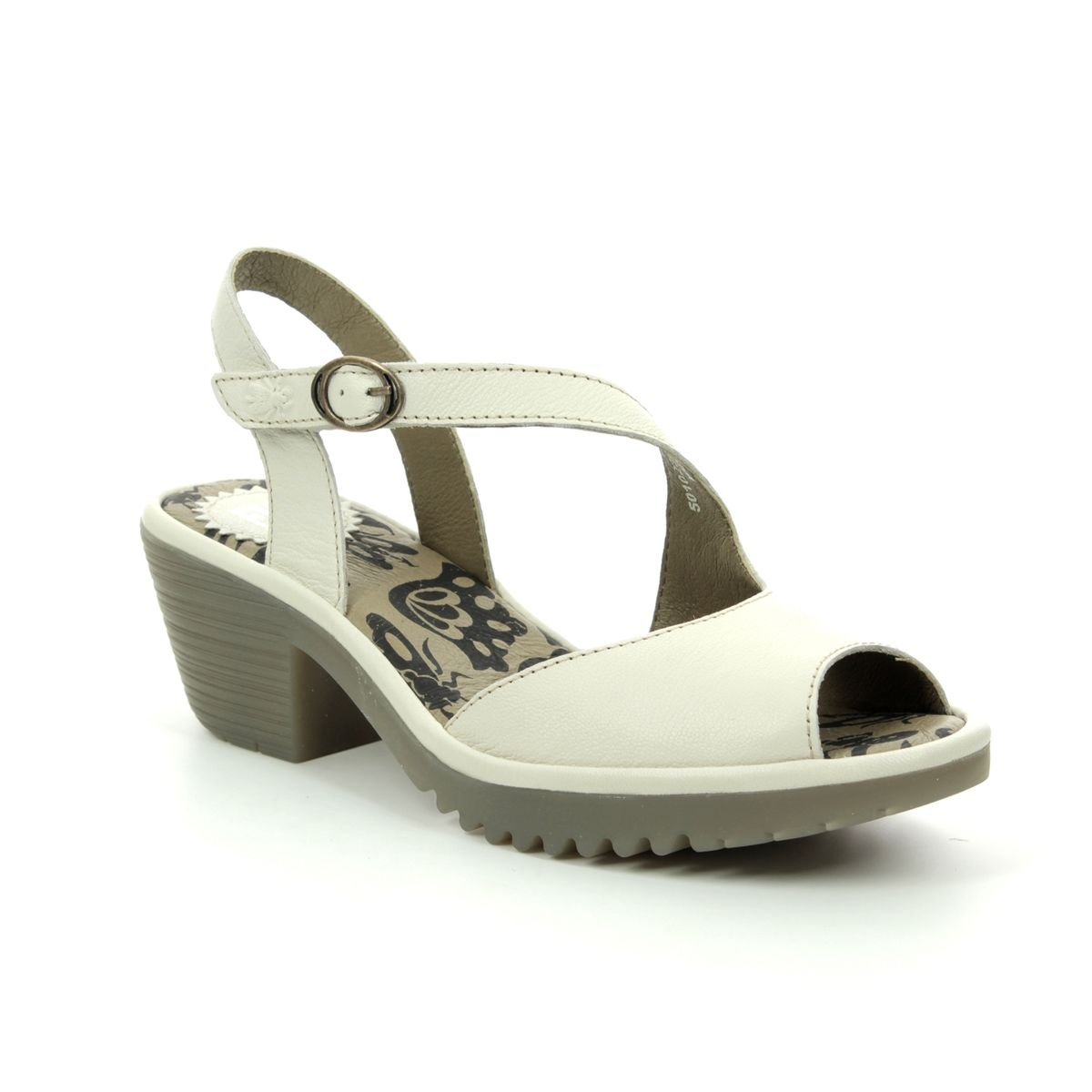 00c6561e4a5 Fly London Wyno P501023-001 Off-white Wedge Sandals