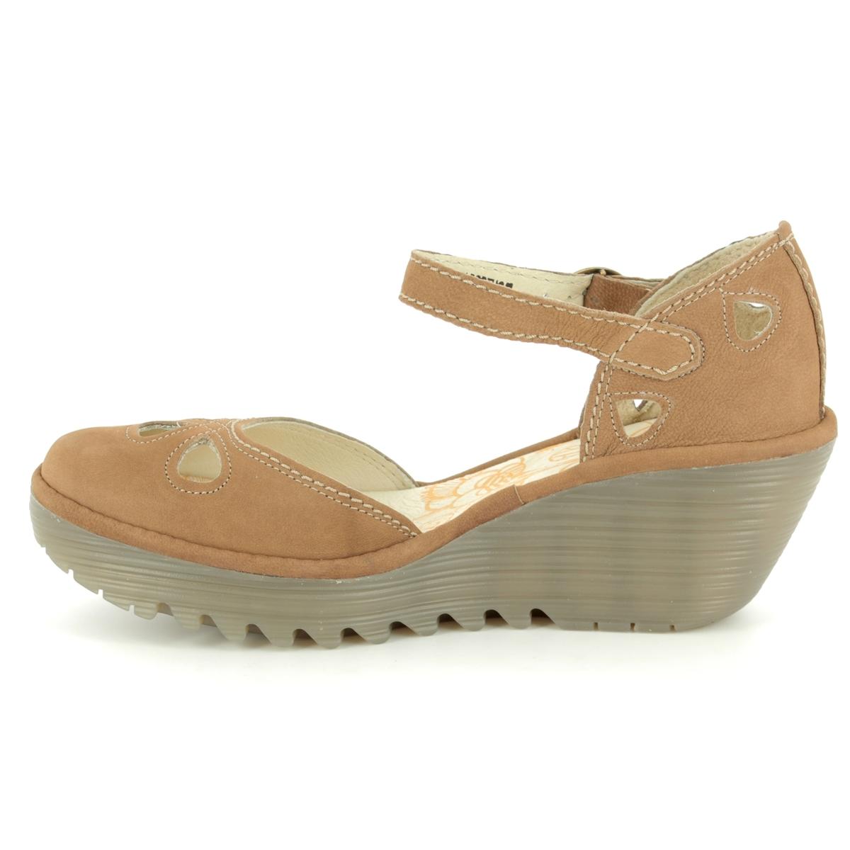2dbc51095667b Fly London Yuna P500016-138 Tan Wedge Shoes