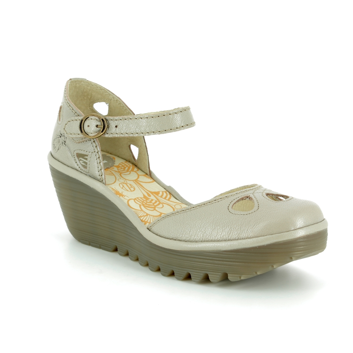 40b27ddf94bf3 Fly London Wedge Shoes - Off-white - P500016 YUNA
