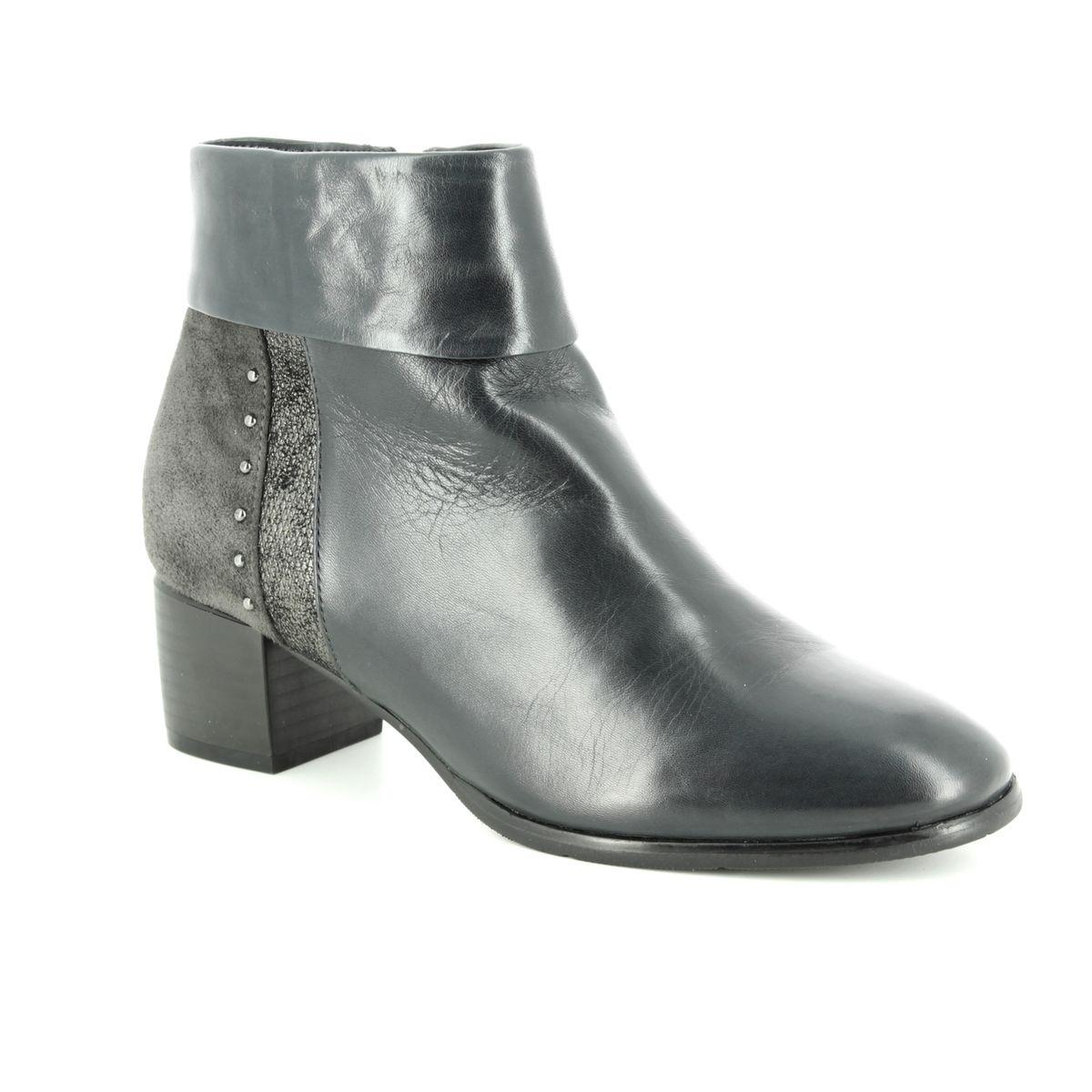 885ed072 Regarde le Ciel Ankle Boots - Grey matt leather - 3898/00 CORINNE 02