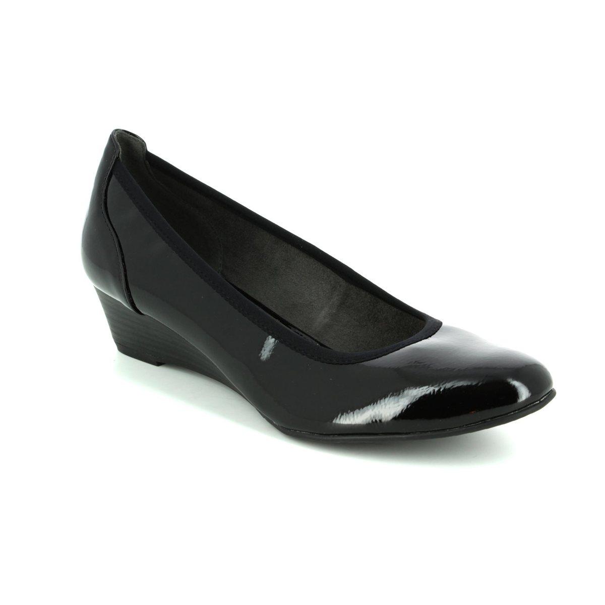 tamaris myrica 22304 018 black patent wedge shoes